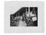 Bystrzec, Basia Vincenz, Paraska (pomocnica Wasylyny) na schodach tarasu