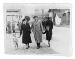 Jaworzno, Mieczysław Eizenman (brat Ireny Vincenz), jego żona, córka Matysia i syn Duduś