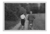 Słoboda, spacer niedaleko domu, Marina Zbinden i Stanisław Vincenz