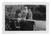 La Combe, La Chapelle. Irena i Stanisław Vincenzowie, Maria Wojciechowska, córka Marie-Claire Boussant-Roux