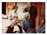 La Combe, Le Mas, w pierwszym rzędzie: Stanisław Vincenz, Maria Czapska, Irena Vincenzowa, w drugim rzędzie: Halszka Vincenz, NN, Józef Czapski